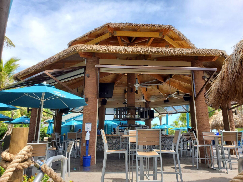 Lucky Fish Ocean front Bar